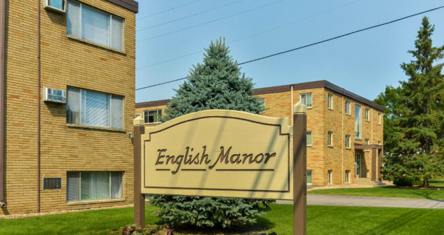 English Manor Sign